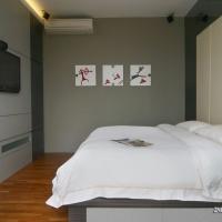Master Bedroom_bedframe & TV feature