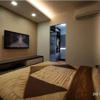 Master Bedroom - TV feature